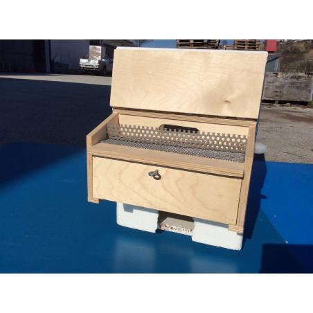 Small external pollen collection trap
