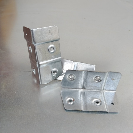 Metal corner for hive Sale Online