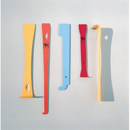 "Hive tool, model ""Americana"", painted"